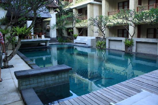 Hotel Fourteen Roses Beach Terletak Di Jalan Melasti Kuta Dimana Ini Dapat Tempuh Dalam Waktu 30 Menit Dari Bandara Internasional Ngurah Rai